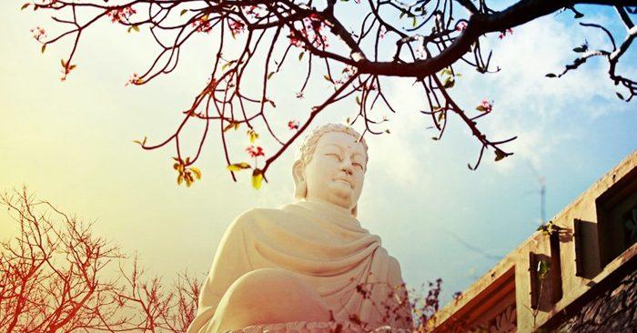 Thật ra, Thần Phật vẫn luôn ở bên cạnh bạn, chỉ có điều bạn có nhận ra hay không thấy mà thôi. (Ảnh: Hiveminer)