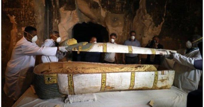 Quan tài xác ướp 3.500 năm được khai quật (Ảnh: Internet)