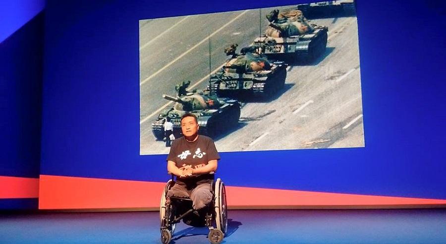 Người sống sót dưới bánh xe tăng kể lại bí mật trong Thảm sát Thiên An Môn. Ảnh 1
