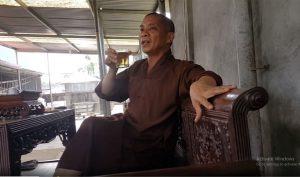 Sư Phúc uống bia, dọa thả chó cắn 'nát mặt' Phật tử: Chính quyền bất lực?