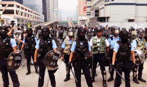 Việc cảnh sát Hồng Kông lạm dụng bạo lực với người biểu tình đã khiến phong trào này đang đi vào ngõ cụt
