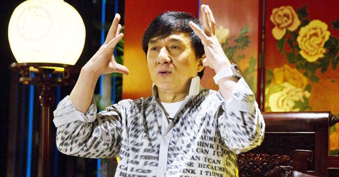 """Khi nửa triệu người Hương Cảng xuống đường đòi dân chủ và tự do, Thành Long đã nhắc lại câu nói từng làm thất vọng hàng triệu người hâm mộ """"sai lầm của chúng ta là đã để cho Hồng Kông có quá nhiều tự do""""."""