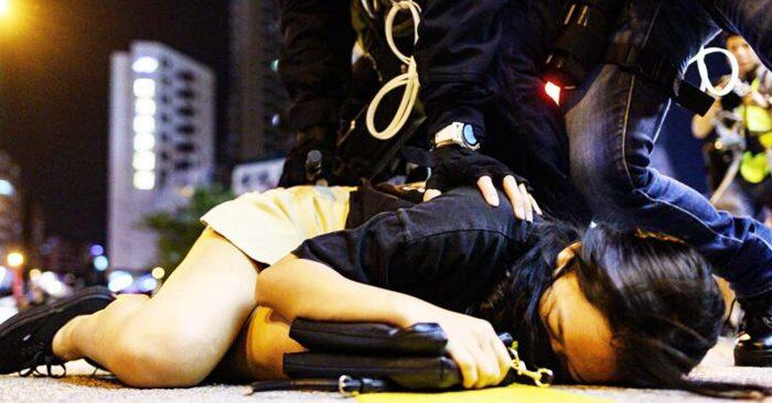 Cảnh sát Hồng Kông tiết lộ, ít nhất có hai trường hợp cảnh sát nghi ngờ hãm hiếp người biểu tình đã được nhân viên y tế xác nhận.