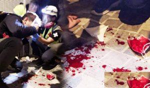 Đêm Giáng sinh 24/12, cảnh sát chống bạo động đã điên cuồng bắn đạn hơi cay và đạn cao su tấn công người biểu tình, có người bị trúng đạn chảy máu đầy mặt.