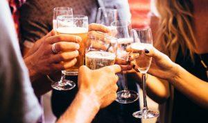 Bộ Y tế ra khuyến cáo hướng dẫn uống rượu, bia an toàn cho ngày Tết-3