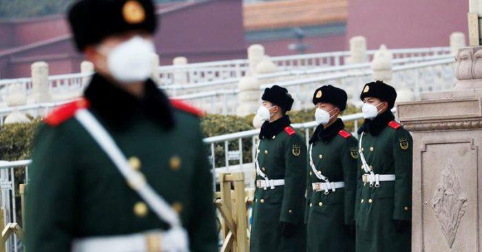 Trung Quốc được cho là giấu diếm số liệu thực tế và chậm trễ trong việc đối phó dịch bệnh, khiến tình hình trở nên khó kiểm soát.