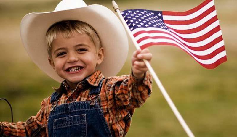 Đài truyền hình CCTV của ĐCSTQ nói rằng ảnh hưởng của dịch viêm phổi Vũ Hán khiến nền kinh tế Mỹ phải ngưng trệ, mang đến tổn thương cho trẻ em Mỹ.